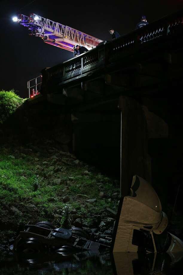 18 Wheeler Truck Found In Brays Bayou San Antonio