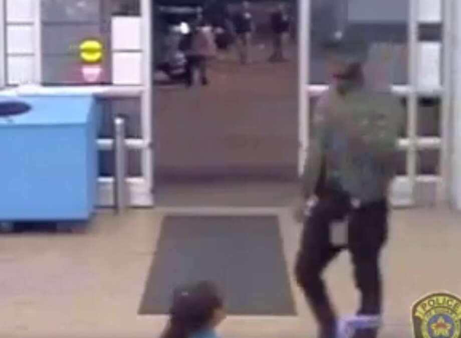 Police are looking for a man who stole from a woman inside a Sugar Land Walmart, but did not get away with her purse after the victim's husband tackled the suspect to the ground. Photo: Sugar Land Police