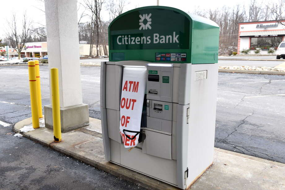 ATM outside a Citizens Bank on Osborn Rd. on Monday, Jan. 2, 2017, in Colonie, N.Y. Colonie police were trying to identify a suspect who twice tried to break into this ATM at 4:59 a.m. and 7:28 a.m. on Sunday. (Will Waldron/Times Union) Photo: Will Waldron, Albany Times Union