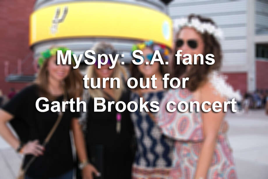 Thousands showed up for the second of three Garth Brooks performances this weekend. Fans were eager for the country music icon and our mySpy cameras caught all the anticipation and smiles before the show Saturday, July 23, 2016. Photo: Christian Ibarra, For MySA
