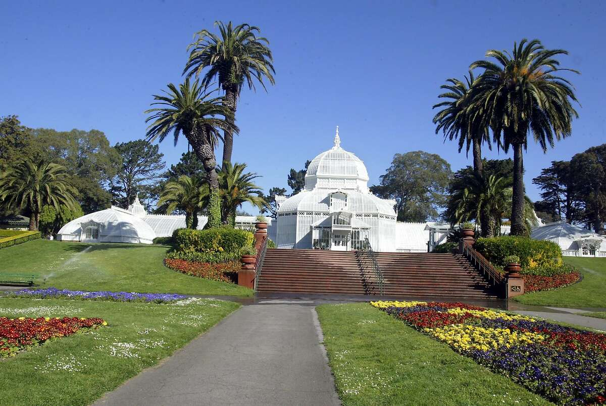 Conservatory of Flowers in Golden Gate Park. Click ahead to see the best free things for tourists to do in San Francisco.