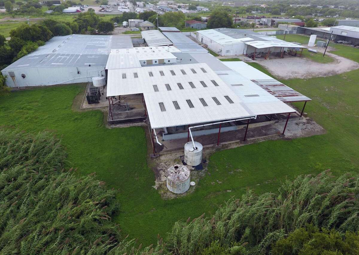 A former chemical plant in the 14000 block of Lookout Road in Live Oak, seen Sept., 7, 2016, was added to the Environmental Protection Agency's list of Superfund sites because of soil and groundwater contamination. The EPA warned that because of the site's location it could contaminate the Edward Aquifer.