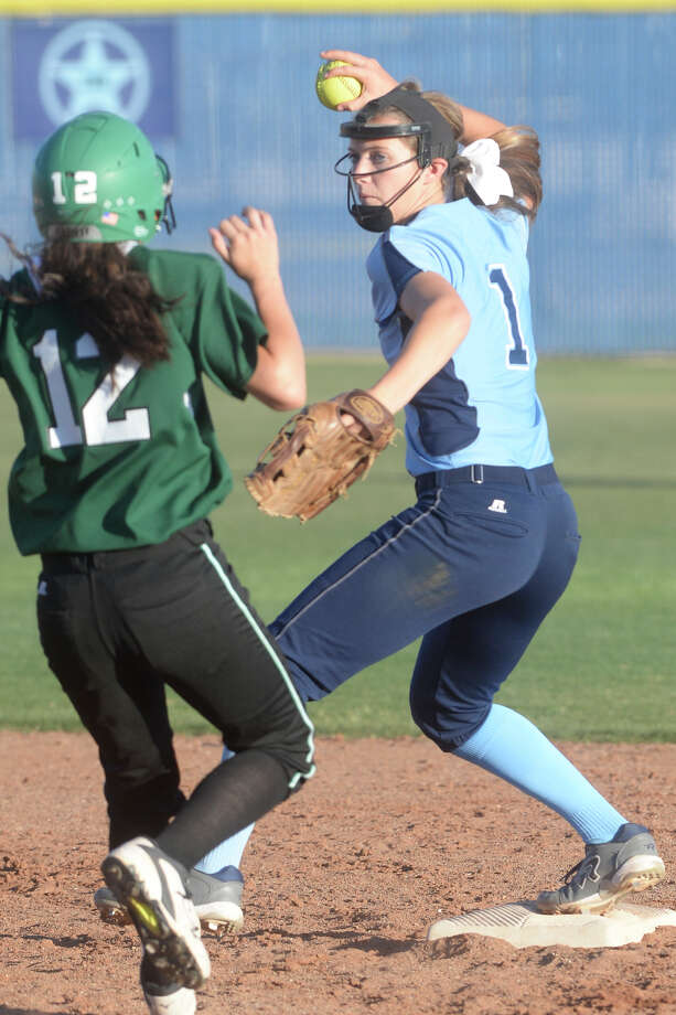 Greenwood's Karlie Savage works a double play attempt against Monahans on March 17, 2017, at Greenwood High School.  James Durbin/Reporter-Telegram Photo: James Durbin