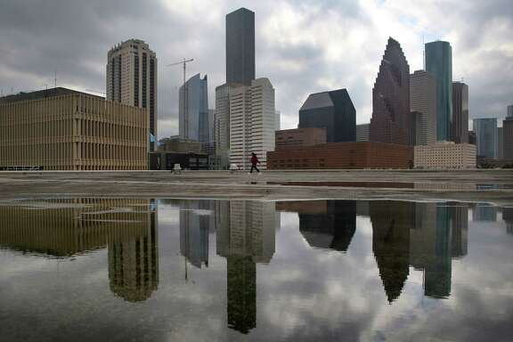 Houston office vacancy is projected at 21.5 percent in 2017, according to Marcus & Millichap. Dallas, which will add 7.8 million square feet of office space in 2017, has the nation's second highest vacancy rate of 18.6 percent. ( Mark Mulligan / Houston Chronicle )