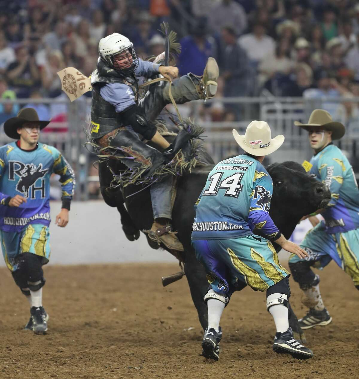 Trey Benton III is thrown by Sandy's Dream during the Super Series IV, Championship Round Saturday, March 18, 2017, in Houston. ( Steve Gonzales / Houston Chronicle )