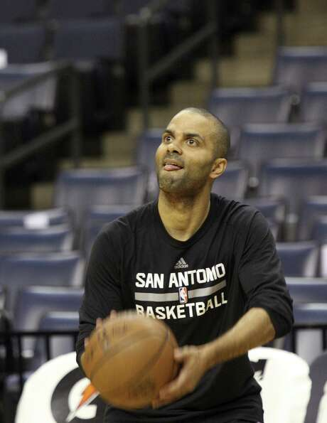 San Antonio Spurs Tony Parker warms up before an NBA basketball game against the Memphis Grizzlies, Saturday, March 18, 2017, in Memphis, Tenn. (AP Photo/Karen Pulfer Focht) Photo: Karen Pulfer Focht, FRE / Associated Press / Karen Pulfer Focht