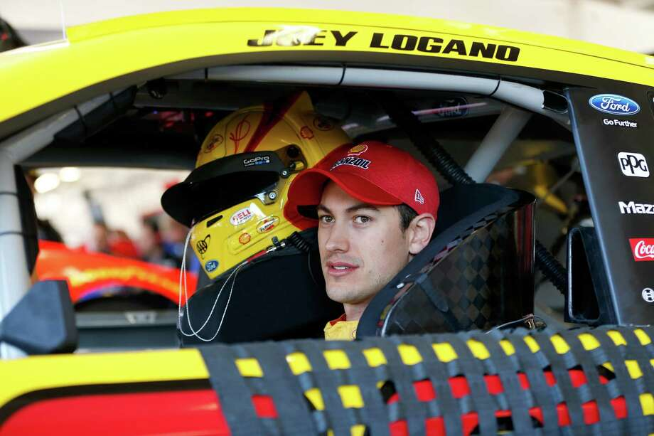 AVONDALE, AZ - MARCH 18:  Joey Logano, driver of the #22 Shell Pennzoil Ford, during practice for the Monster Energy NASCAR Cup Series Camping World 500 at Phoenix International Raceway on March 18, 2017 in Avondale, Arizona.  (Photo by Jonathan Ferrey/Getty Images) ORG XMIT: 700021246 Photo: Jonathan Ferrey / 2017 Getty Images