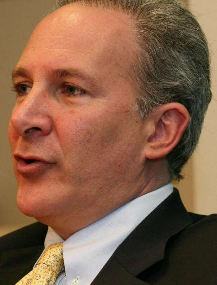 Peter Schiff is attempting to force a GOP Senate primary against Linda McMahon. Photo: File Photo / Greenwich Time File Photo