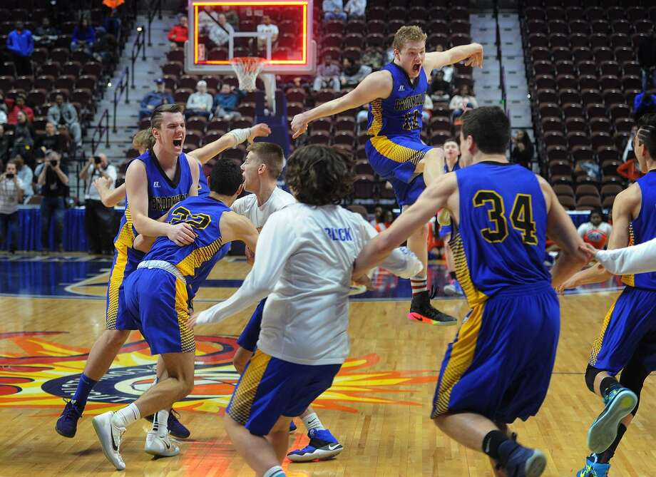Brookfield players react after defeating Bloomfield 63-60 in the Class M boys basketball championship final at the Mohegan Sun Arena in Uncasville, Conn. on Sunday, March 19, 2017. Photo: Brian A. Pounds / Hearst Connecticut Media / Connecticut Post