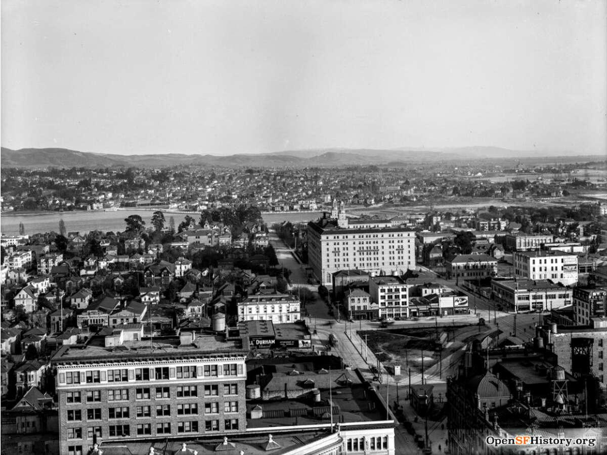 Looking towards Lake Merritt along 14th Street from Oakland City Hall (1910s).