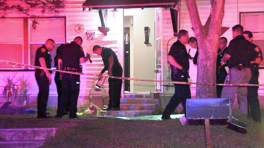Police found a 19-year-old man shot and killed on March 19, 2017, in the 900 block of Grosvenor Street on the South Side. Photo: Ken Branca
