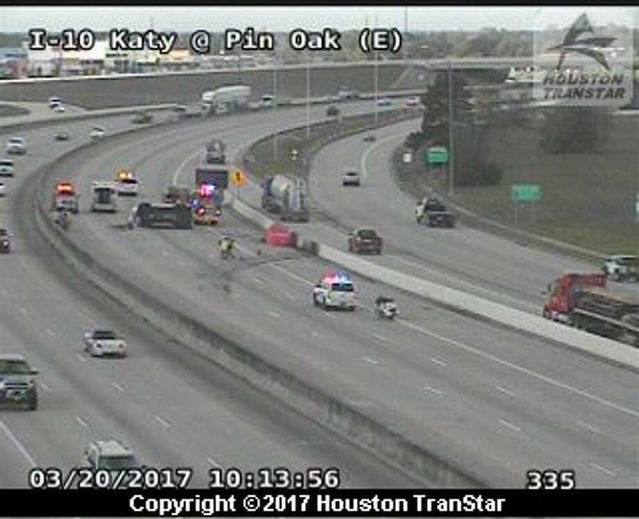 A traffic crash blocked I-10 the Katy Freeway at Pin Oak, Monday, March 20, 2017.  Photo: Houston Transtar