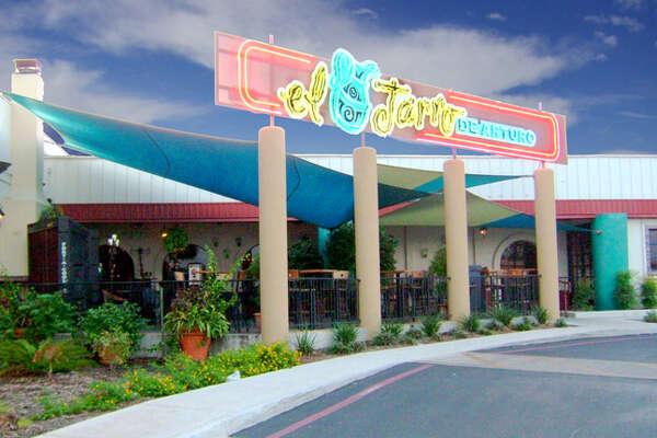 Welcome to El Jarro de Arturo, where you will find delicious, authentic  andcreative Mexican cuisine in San Antonio! (210) 494-5084   www.eljarro.com
