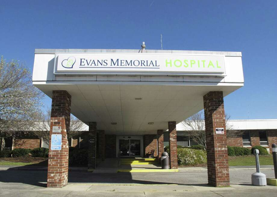 Like many other rural hospitals in the U.S., Evans Memorial Hospital in Claxton, Ga., has struggled to keep its doors open while treating patients who tend to be older, poorer and often uninsured. Photo: Russ Bynum /Associated Press / Copyright 2017 The Associated Press. All rights reserved.