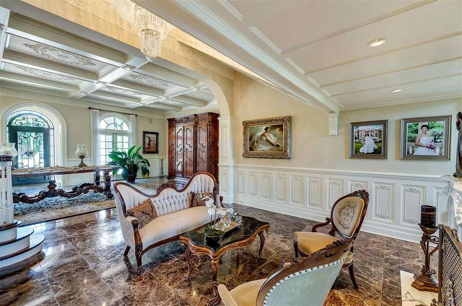 Fort Worth 39 S 8 Million Baldridge House Comes With Its Own Bank Vault Texas Historical Marker
