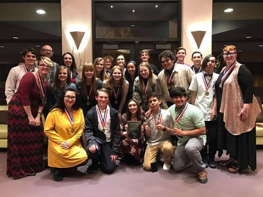 The PHS one-act play crew includes Ara Maldonado (front left), Barron Williams, Alexis Shedd, Urian Montes, Pete Castro, assistant director Milea Huckeby (middle left), Kelsey Beaty, Kamren Smock, Michaela Chamberlain, Sawyer Tirey, Isaac McMickings, Isaiah Riojas, director Jennifer Riley, Kit Kingston (back left), technical director Doug Warren, Carsen Miles, Madi Rossi, Reed Riley, McKinley Whalen, Zoe Medina, Christian Switzenberg, Robert van der Leek and Conner Williams.