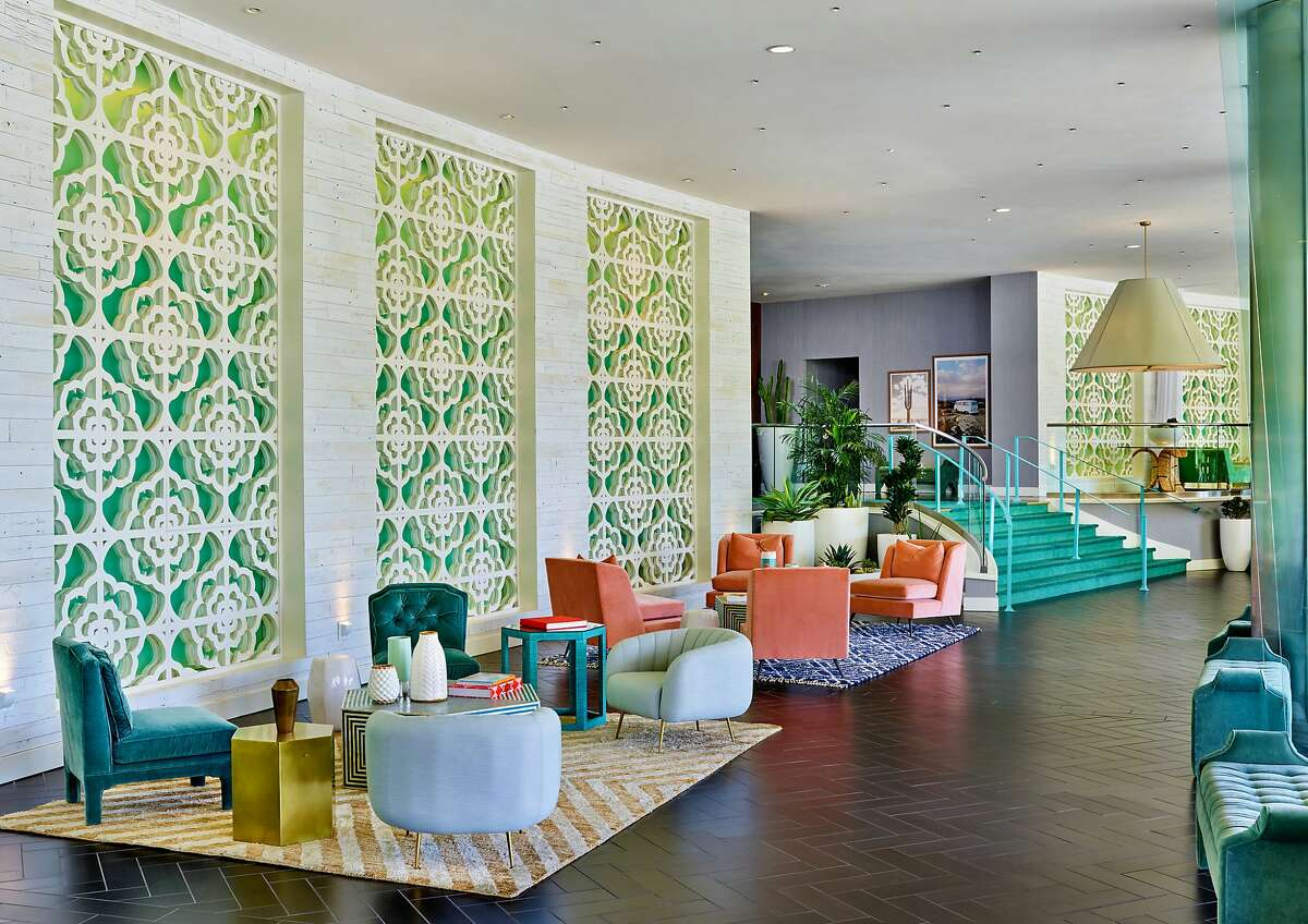 Now part of Starwood�s Tribute Portfolio, the Riviera Palm Springs features Moroccan, mid-century modern and whimsical postmodern design in its lobby.
