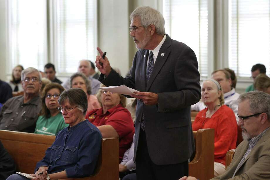 Errol Summerlin speaks against the proposed Exxon petro chemical plant to be located just outside Portland, during a San Patricio County Commissioners meeting in the County Courthouse in Sinton, TX on Monday, March 20, 2017. Photo: Bob Owen, Staff / San Antonio Express-News / ©2017 San Antonio Express-News