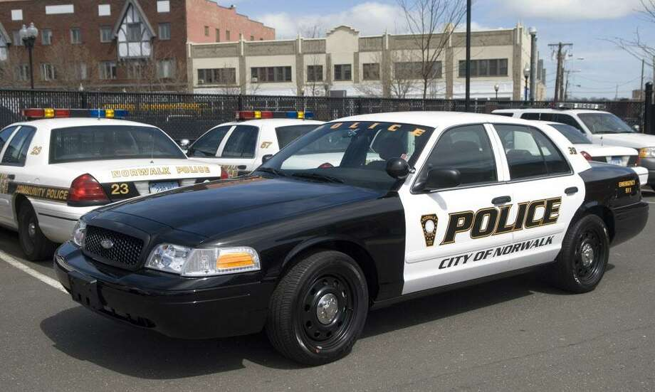 Norwalk_041907_ A new Norwalk Police Department Ford Crown Victoria patrol car on display at police headquarters in Norwalk, Conn. on Thursday, April 19, 2007. Chris Preovolos/Staff photo Staff Photo Chris Preovolos Photo: CHRIS PREOVOLOS / ST / 00002787A