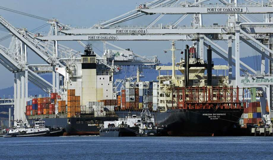 The deficit in the broadest measure of U.S. trade shrank in the final three months of 2016 but the gap for the full year rose to the highest level in eight years, according to the Commerce Department. Photo: Ben Margot /Associated Press / Copyright 2016 The Associated Press. All rights reserved.