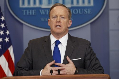 Spicer says he doesn't face reporters on TV because it would distract from the president – Laredo Morning Times