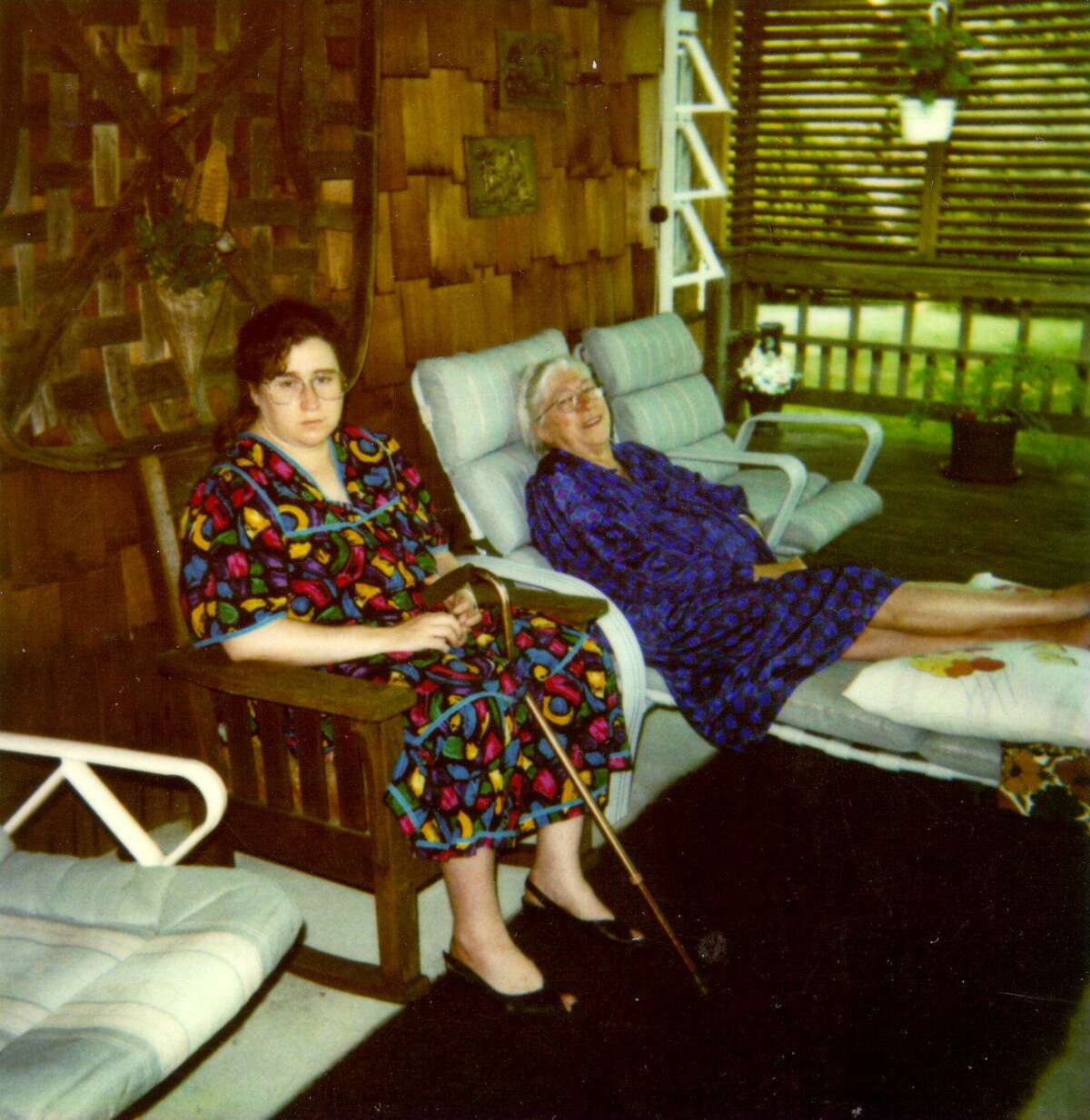 Madalyn Murray O'Hair and her granddaughter Robin relaxing in Virginia in August 1995, shortly before they disappeared.