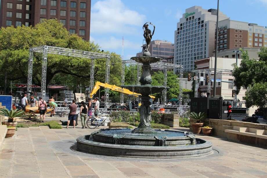 Photos 39 American Ninja Warrior 39 Course Begins To Take Shape In Downtown San Antonio
