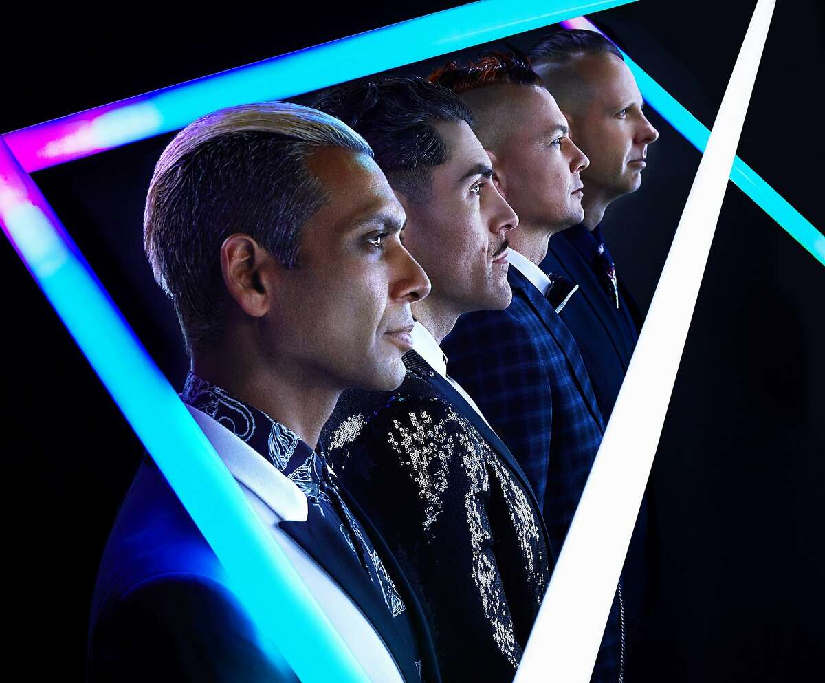 Dreamcar is made up of members of No Doubt and AFI