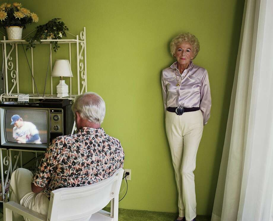 Larry Sultan, My Mother Posing for Me, from the series Pictures From Home, 1984; chromogenic print; © Estate of Larry Sultan.  Credit: Courtesy the Estate of Larry Sultan Photo: Courtesy The Estate Of Larry Sultan