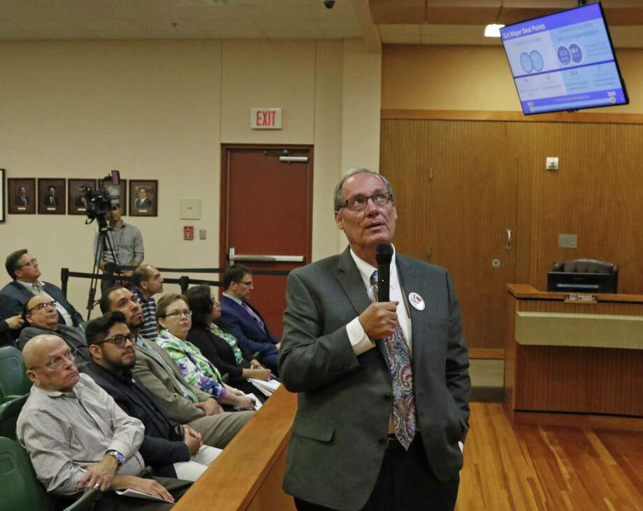 City Manager LannyLambert explains the agreement of the move to seek annexation plan at Converse City Council . The council is expected to approve the annexation plan it worked out with San Antonio. And word is that Gordon Hartman is going to make a big announcement about a new development if the annexation plan is approved on Tuesday, March 21, 2017. Photo: Ron Cortes, Freelance / For The San Antonio Express-News / Ronald Cortes / Freelance