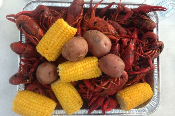 The 2017 crawfish season is robust and Houston mudbug lovers are actively pinching tails and sucking heads.