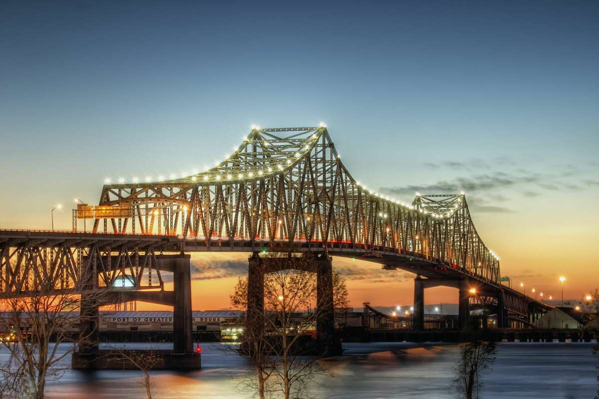 America's top 20 fattest cities according to Wallethub:  20) Baton Rouge, LA Total score: 74.33 Obesity & overweight rank: 8Weight-related health problems rank: 4 Healthy environment rank: 39