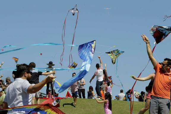 Thousands of people gather at the third annual Hermann Park Kite Festival Sunday, April 3, 2016, in Houston. ( Jon Shapley / Houston Chronicle )