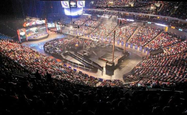 The 2016 edition of the Bassmasters Classic drew a crowd worthy of a major sporting event or hot concert tour stop to Tulsa's 19,000-seat BOK Center for the final day of weigh-ins.