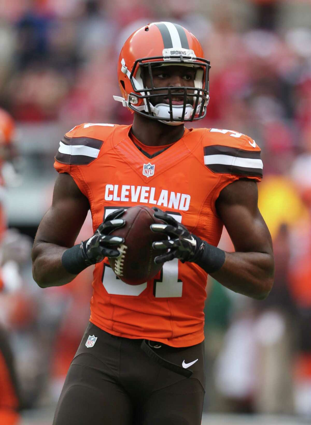 Cleveland Browns linebacker Barkevious Mingo (51) before an NFL football game between the San Francisco 49ers and the Cleveland Browns, Sunday, Dec. 13, 2015, in Cleveland. (AP Photo/Ron Schwane)