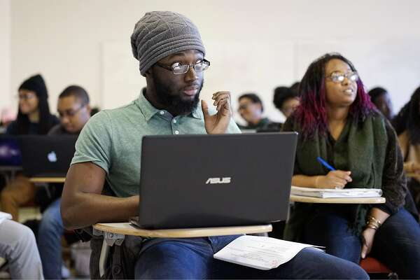 Howard University student Olufemi Salaam looks to the teacher during an advanced computer science class on Wednesday March 22, 2017 in Washington D.C. Google will be announcing a plan to find up-and-coming talent by reaching out to black computer science classes.