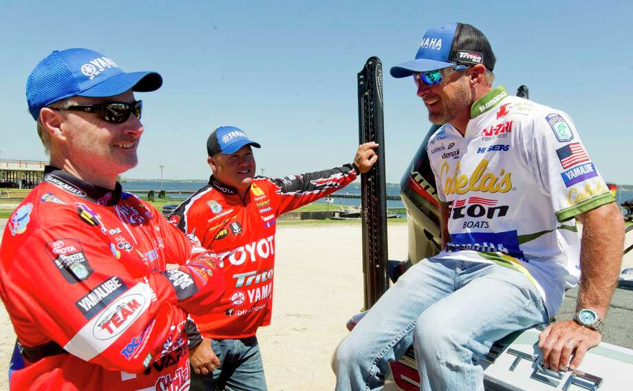 Anglers Jeff Kriet, right, jokes with Mark Menendez and Terry Schroggins at Lake Conroe on Tuesday. Photo: Jason Fochtman, Staff Photographer / © 2017 Houston Chronicle