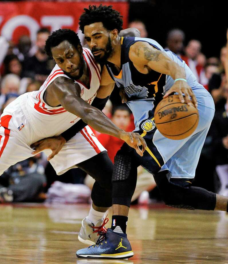 Guard Mike Conley, right, and the Grizzlies have split the season series against Pat Beverley and the Rockets, but Memphis has lost the past two convincingly. Photo: Eric Christian Smith, FRE / FR171023 AP