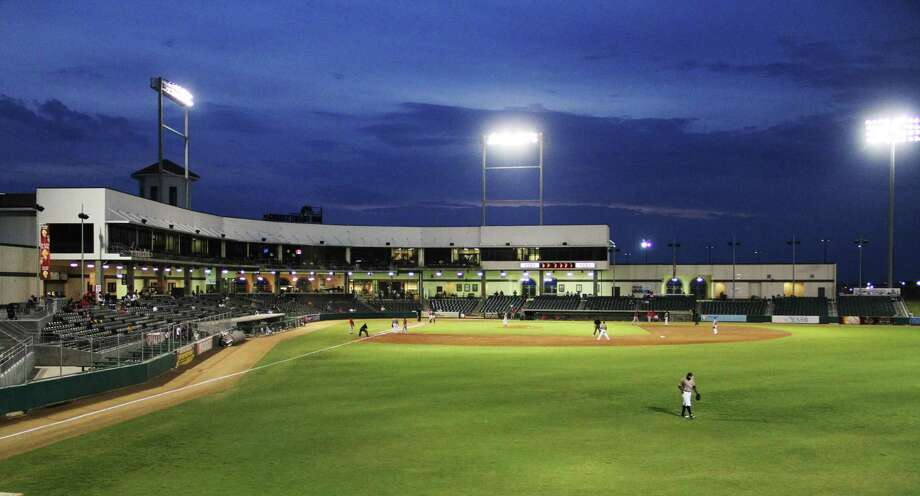 Uni-Trade Stadium will be host to the Sister Cities Baseball Classic Tournament from Friday through Sunday. The five-day event began Wednesday in Nuevo Laredo and features Tecolotes de Nuevo Laredo facing Generales de Durango, Saraperos de Saltillo and Vaqueros de la Laguna. Photo: Laredo Morning Times Staff File