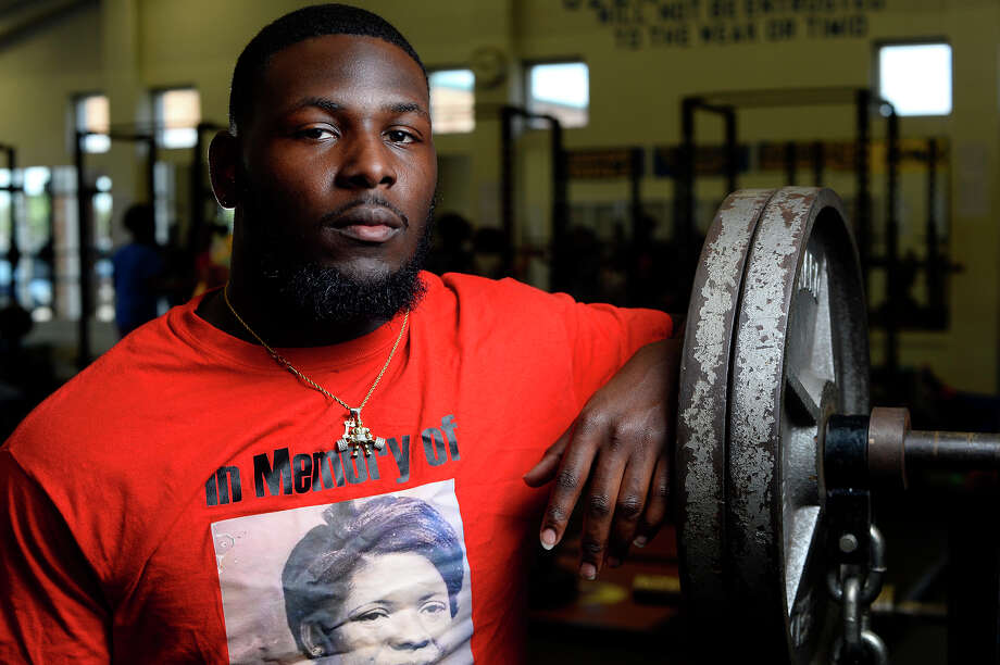 Ozen's Joe Thomas will be competing at the state weightlifting meet for the third straight year.  Photo taken Wednesday 3/22/17 Ryan Pelham/The Enterprise Photo: Ryan Pelham, Ryan Pelham/The Enterprise / ©2017 The Beaumont Enterprise/Ryan Pelham