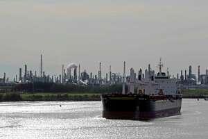 The Golden Leo bulk carrier ship navigates through the Houston Ship Channel Jan. 3, 2017, in Houston. ( James Nielsen / Houston Chronicle )