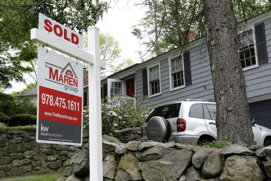 According to the latest data released Thursday by Freddie Mac, the 30-year fixed-rate average fell to 4.23 percent from 4.30 percent a week ago. Photo: Associated Press /File Photo / Copyright 2016 The Associated Press. All rights reserved. This material may not be published, broadcast, rewritten or redistribu