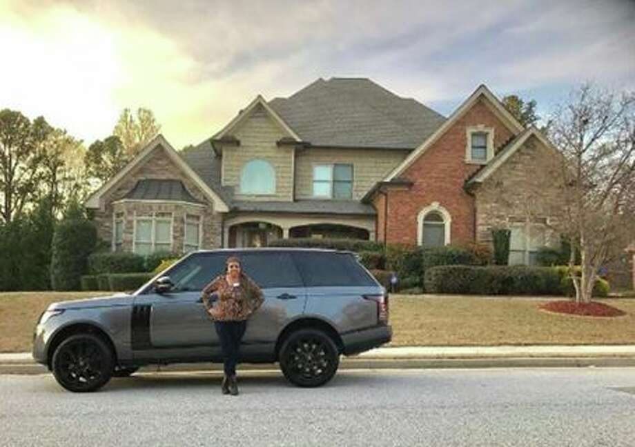 Raiders wide receiver Amari Cooper buys his mom the house and car of her dreams. Photo: Amari Cooper