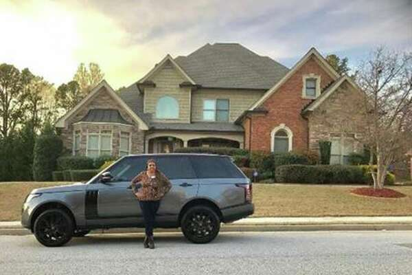 Raiders wide receiver Amari Cooper buys his mom the house and car of her dreams.