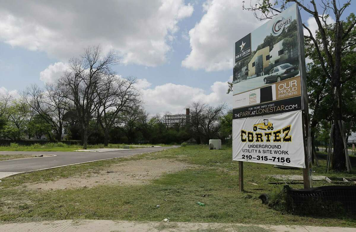 Efraim Varga said in 2013 that he expected to finish the Park at Lone Star townhome development by mid-2015, but nothing has been build.