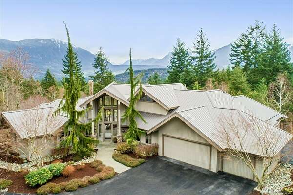 42805 S.E. 164th St., listed at $1,550,000. See  the full listing here .