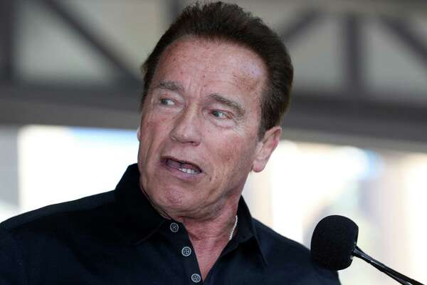 Arnold Schwarzenegger will give receive an honorary degree from UH.