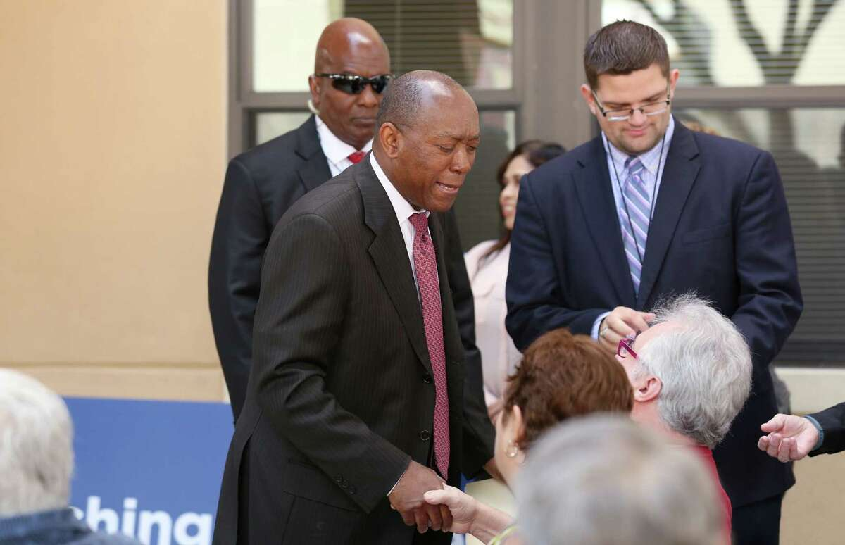 Mayor Sylvester Turner shakes hands with people attending rededication ceremony for the Houston Heights Towers Thursday, March 23, 2017, in Houston. The 223-unit mid-rise residence serves low-to-moderate-income senior adults has been renovated with funding from the City of Houston Housing an d Community Development Department and the Community Bank of Texas.