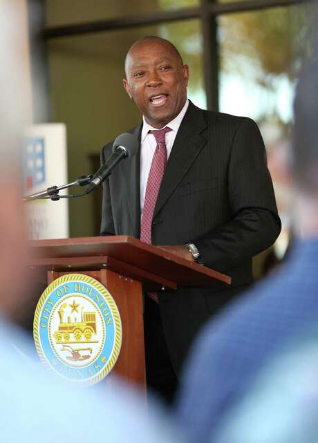 City of Houston mayor Sylvester Turner speaks at the rededication ceremony for the Houston Heights Towers Thursday, March 23, 2017, in Houston. Photo: Godofredo A. Vasquez, Houston Chronicle / Godofredo A. Vasquez
