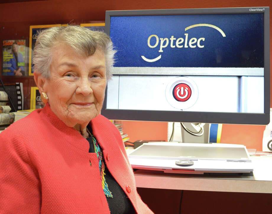 Carolyn Randall, 90, created the studio at the Texas State Library where more than 5,000 audiobooks have been recorded.